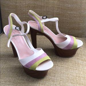 New in box Jessica Simpson Samaria Ivory Heels 9